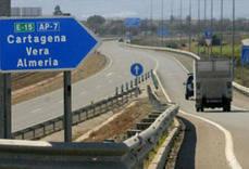 Almería decreta la prohibición de circulación de los camiones por la A-7 todos los días laborales