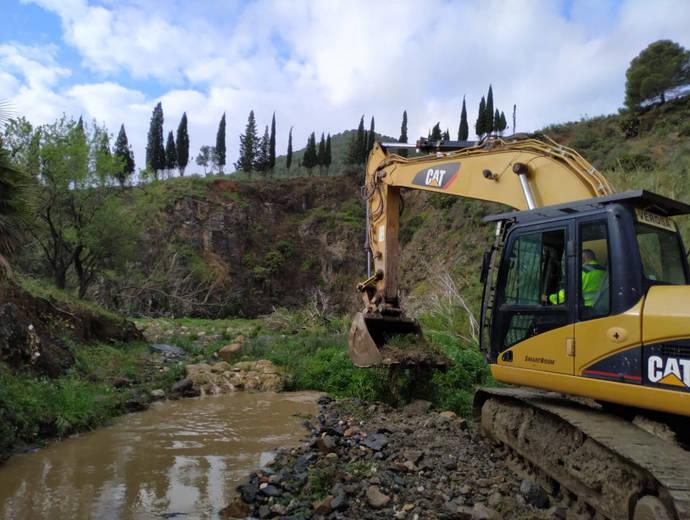 Andalucía repara 25 carreteras de las comarcas del Valle de Guadalhorce, Axarquía y Antequera