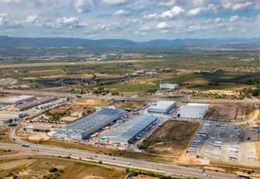 Recta final para un aparcamiento en el polígono Riuclar de Tarragona