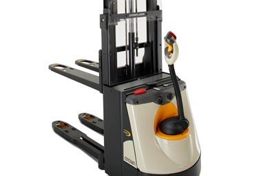 Un levantador de peso compacto: apilador doble DS 3040