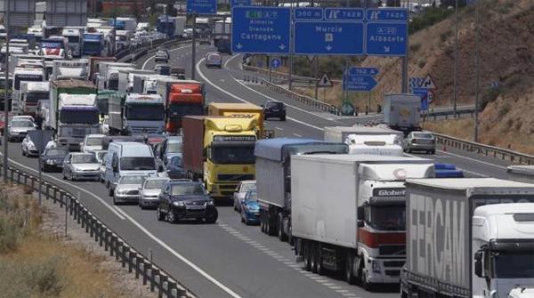 ASTIC subraya que la carretera aporta cuatro veces más al erario público de lo que se invierte en el sector