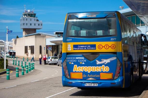 Asturias suspende todos los servicios de transporte público en autobús al aeropuerto