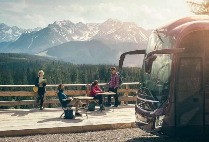 El autobús es un eslabón clave y primordial de la cadena turística