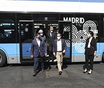 Carabante comprueba los nuevos autobuses eléctricos de la flota de la EMT