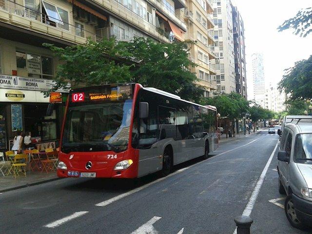 Un autobús urbano de la ciudad de Alicante.