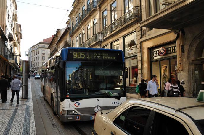 Portugal estudia si privatizar o no el transporte urbano