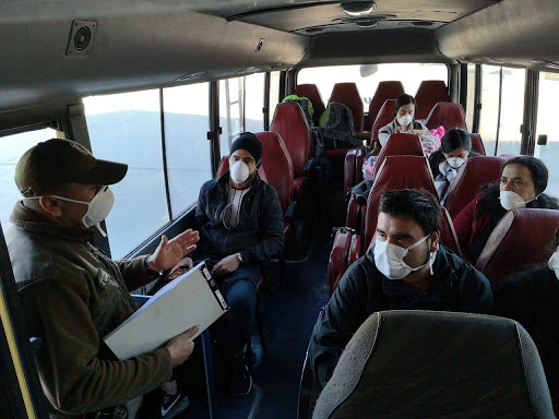 Viajeros en autocar.