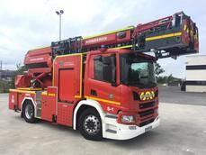 Los Bomberos de Santander estrenan una autoescalera de chasis Scania