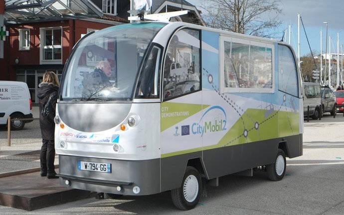La nipona Softbank desarrolla tecnología de autoconducción para autobuses