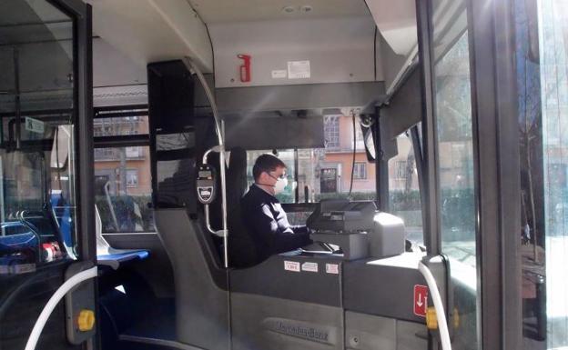 Auvasa va a instalar pantallas protectoras provisionales para sus conductores