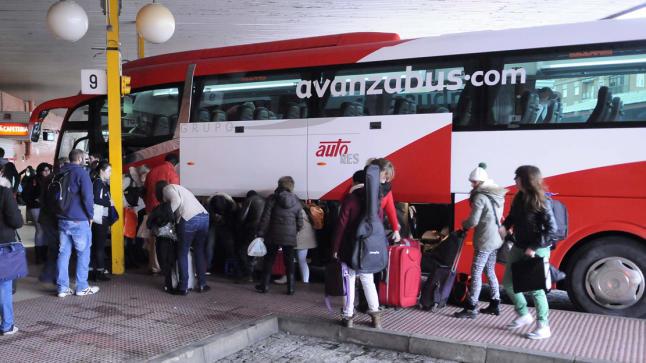 Un autobús de Avanza en la estación de Salamanca.