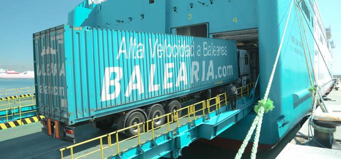 Baleària transporta más de 530.000 tráileres en 10 años de Barcelona-Palma