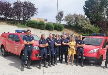 Nissan entrega dos nuevos vehículos al parque de Bomberos de Burgos