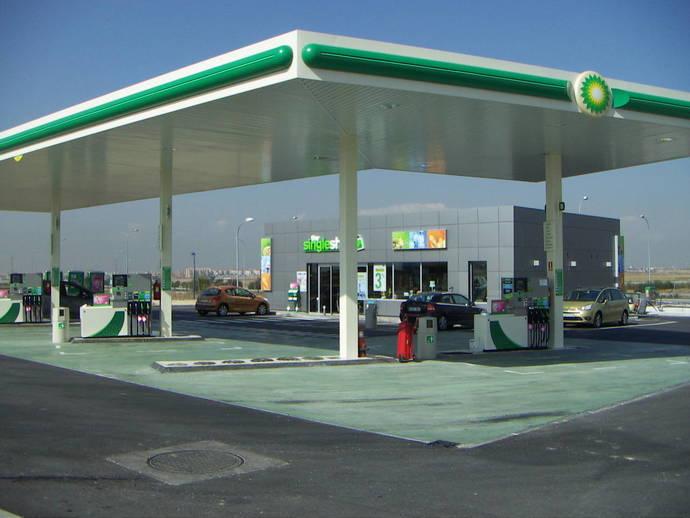 BP/Aral y Total aceptan sus tarjetas de combustible