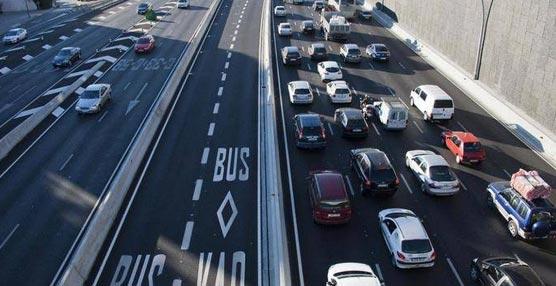 El autobús reduce seis veces la contaminación de un coche