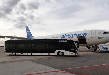 Groundforce opera un bús eléctrico en el aeropuerto de Barcelona