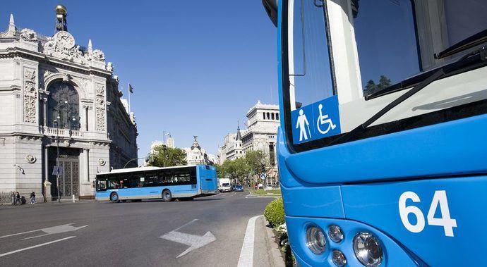 45% no usuarios de transporte público lo usaría con trabas para aparcar