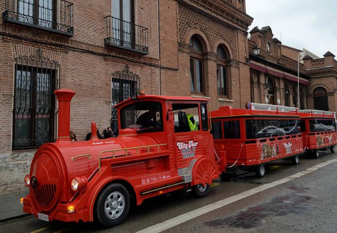 Alsa y el Grupo Juliá inauguran el tren turístico de Alcalá de Henares