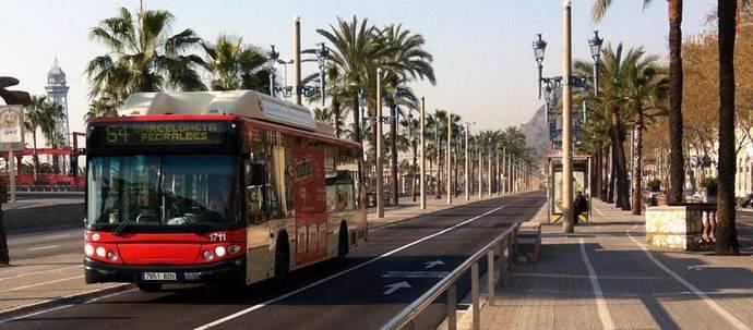 Residentes área metropolitana de Barcelona hacen 10,7% de viajes en autobús público
