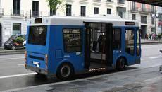 Uno de los microbuses de la EMT.