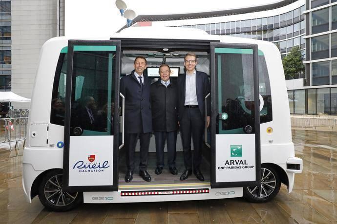 Arval presenta bus eléctrico autónomo para el transporte de sus empleados