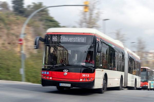 Autobús de la línea y H6, Zona Universitaria - Once de Septiembre.