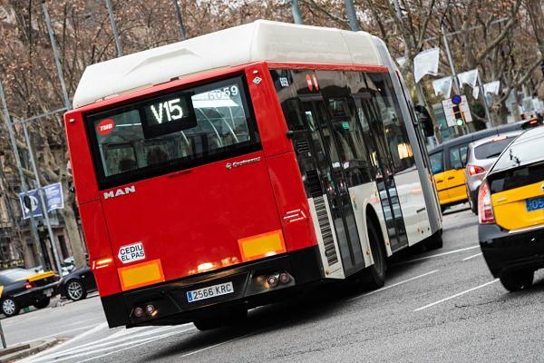 La reestructuración de la red de buses de Barcelona cumple su primer año