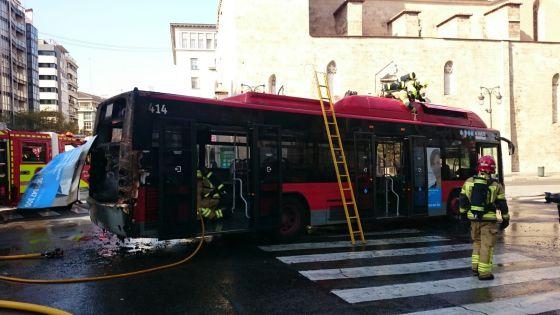 EMT Valencia investiga causas del incendio en un bus