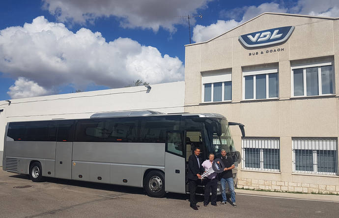 VDL entrega su primer autocar en Cataluña a la empresa Ripollet Autocars