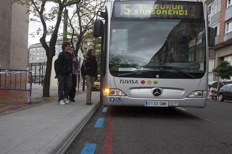 Álava aprueba el convenio para ampliar el tranvía e instalar el BRT de Vitoria-Gasteiz