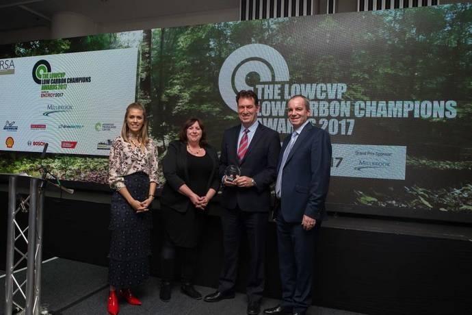BYD recibe un premio por colaborar a bajar las emisiones de los autobuses