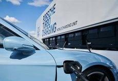 Porsche presenta un camión de carga de vehículos eléctricos