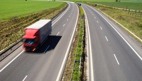 Casi un 90% de la recaudación fiscal proveniente del transporte es de la carretera