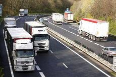 Cataluña cierra carreteras a camiones tres días seguidos