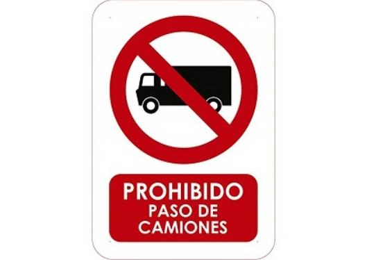Transit se desmarca de la DGT y mantiene restricciones a camiones en Semana Santa