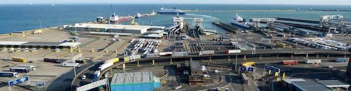 Los miles de transportistas atrapados en el Reino Unido podrán salir previsiblemente a partir de hoy