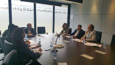 Reunión mantenida en Madrid entre la Consejería de Obras Públicas y Transportes del Gobierno de Canarias y la Dirección General de Tráfico (DGT).