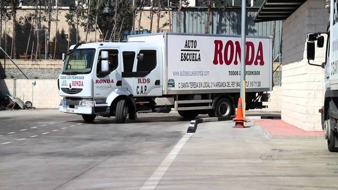 Los vehículos del examen de conducir, con sistemas de ayuda a conducción