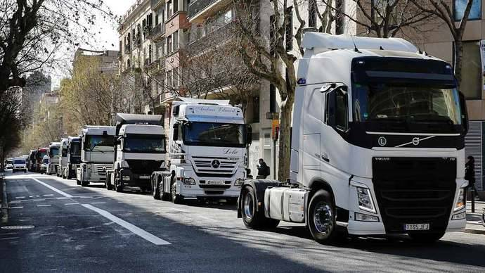 UGT y CCOO mantienen huelga de transporte de mercancías en Barcelona