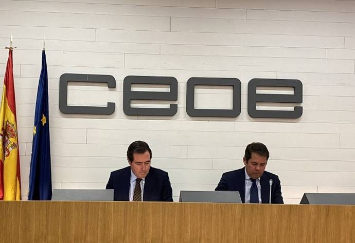 CEOE y Cepyme lanzaron un comunicado expresando su apoyo al Gobierno, los equipos sanitarios y las Fuerzas y Cuerpos de Seguridad del Estado y de los territorios en la lucha contra el Covid-19.