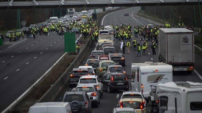 Astic alerta a España y Francia para impedir el bloqueo de frontera
