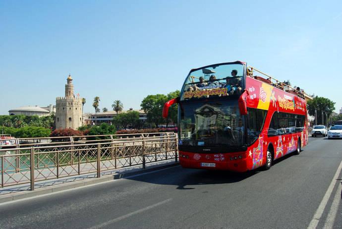 City Sightseeing es reconocida por parte del sector turístico de Sevilla