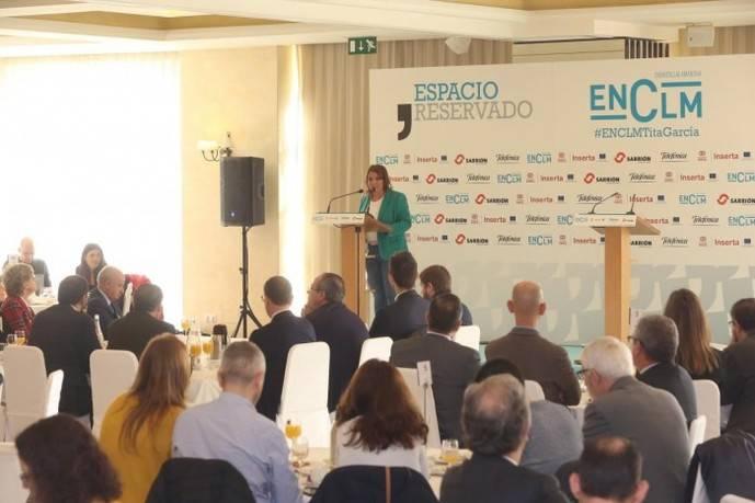 Castilla-La Mancha da luz verde a la tarjeta para mayores con descuento en transporte