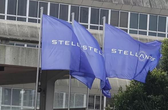Stellantis cancela contratos de venta y posventa de 129 concesionarios