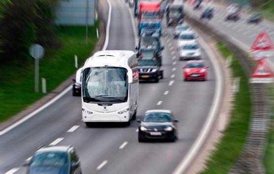 El autobús es el transporte colectivo que menos gases efecto invernadero emite