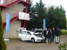Toyota apoya un curso del Insia sobre vehículos híbridos y eléctricos