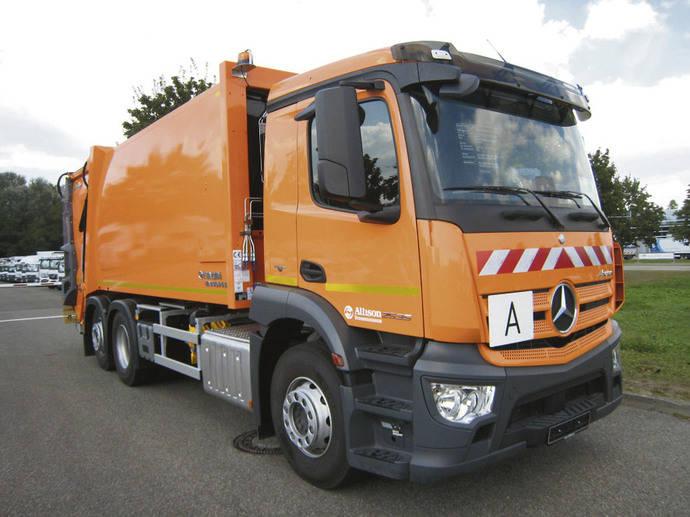El Grupo Jakob Becker recibe tres Mercedes-Benz Antons para recogida de residuos