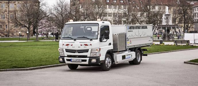 Daimler lanza la primera flota de camiones eléctricos en Sttutgart