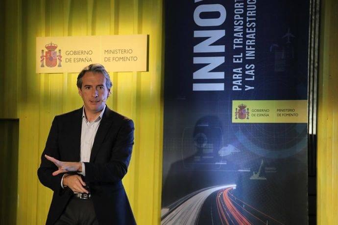 El ministro de Fomento, Iñigo de la Serna, presentando el Plan.