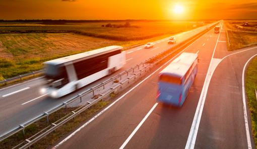 El Parlamento aprueba un dictamen en contra de la desregulación del autobús